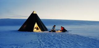 Sami-tent-on-the-Finnmarksvidda-Norway-1920
