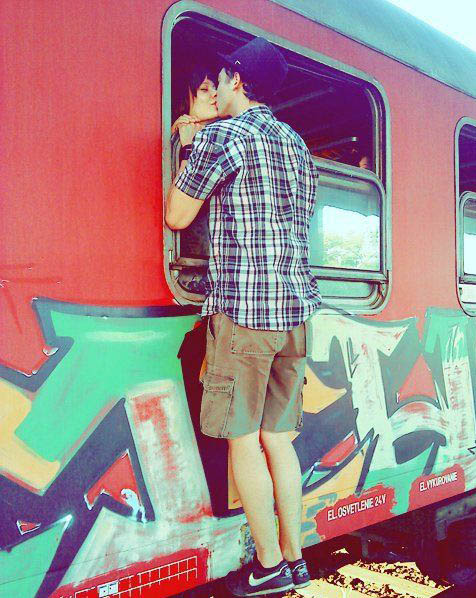 addio,-treno,-coppia,-bacio-148353